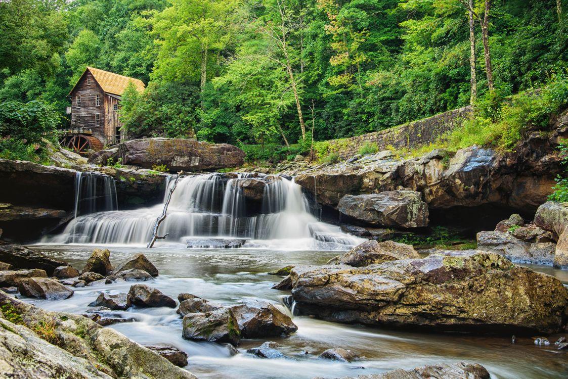Фото бесплатно Glade Creek Grist Mill, Babcock State Park, West Virginia, водопад, водяная мельница, скалы, лес, деревья, пейзаж, пейзажи